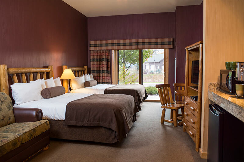 3 Bedroom Deluxe Glacier Canyon Lodge Wisconsin Dells