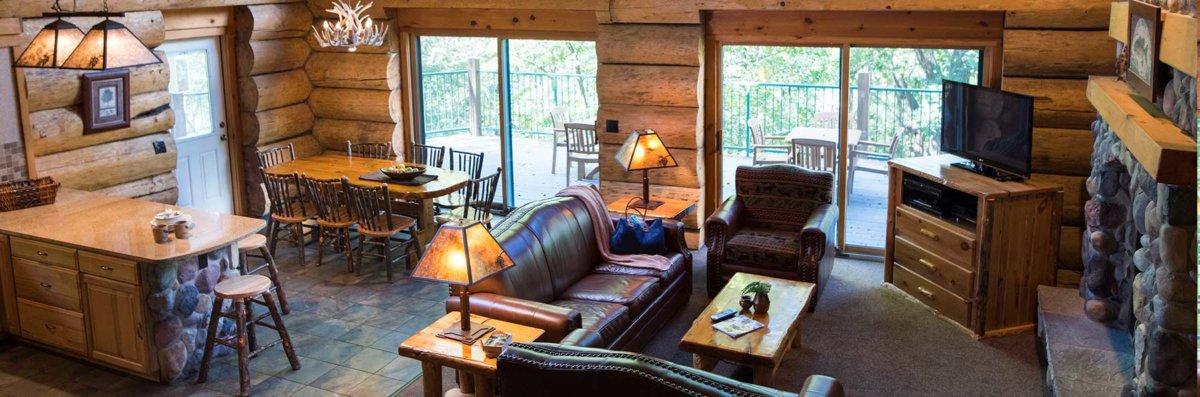 Terrific 5 Bedroom Retreat Cabin Wilderness Resort Wisconsin Dells Interior Design Ideas Oteneahmetsinanyavuzinfo