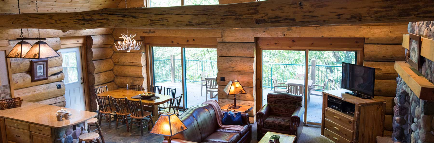 Fabulous 5 Bedroom Retreat Cabin Wilderness Resort Wisconsin Dells Interior Design Ideas Clesiryabchikinfo