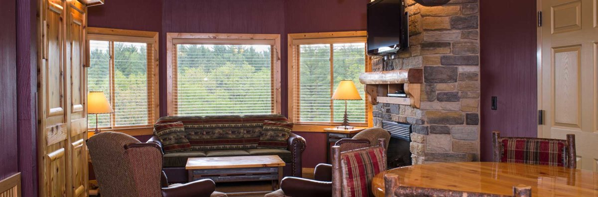 2 bedroom deluxe glacier canyon lodge wisconsin dells