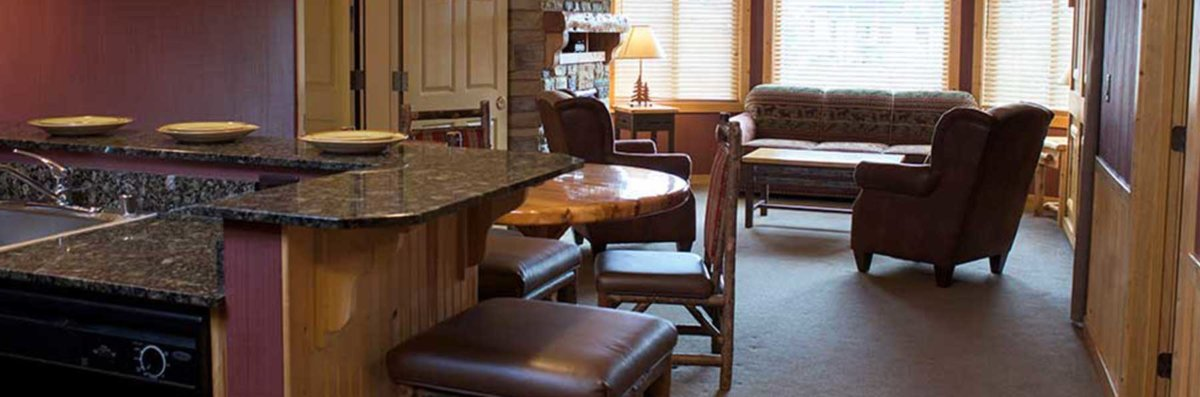 3 bedroom deluxe glacier canyon lodge wisconsin dells. Black Bedroom Furniture Sets. Home Design Ideas