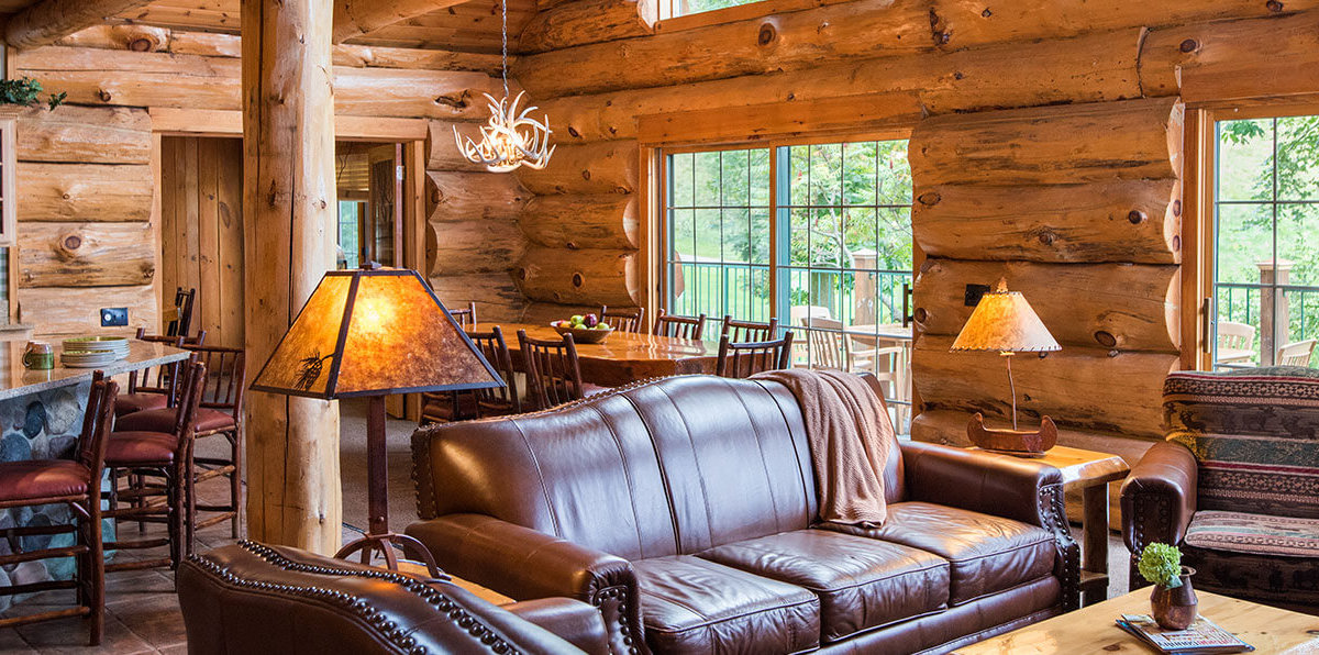 5 bedroom entertainment cabin living room dining room and kitchen